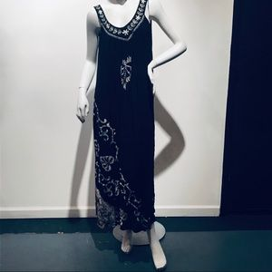 Gorgeous Black & Ivory Crinkle Batik Maxi Dress OS